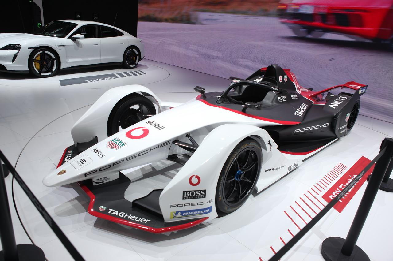 2019广州车展实拍:保时捷纯电动赛车99X Electric
