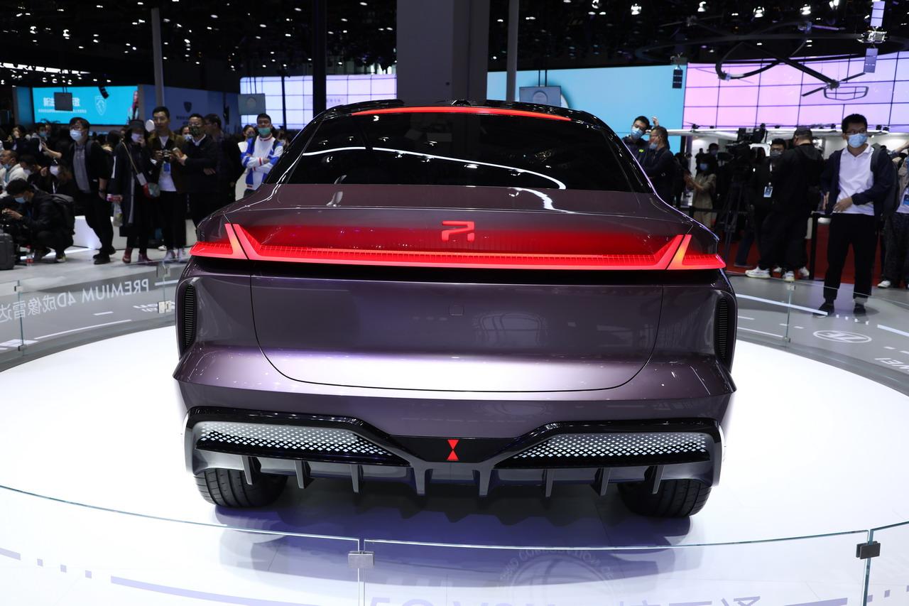 2021上海车展实拍:R汽车ES33